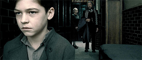 tom-riddle-at-the-orphanage